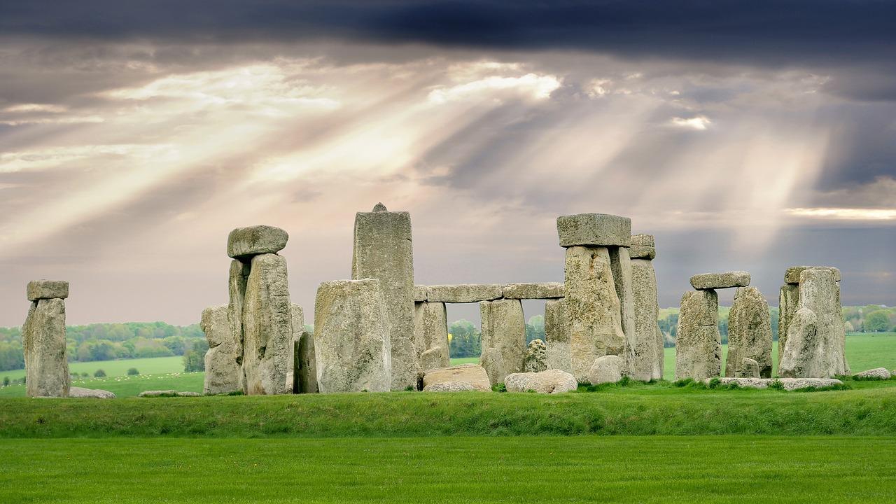 stonehenge-3905419_1280